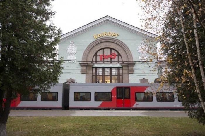 В Петербурге увеличат количество электричек в курортных направлениях